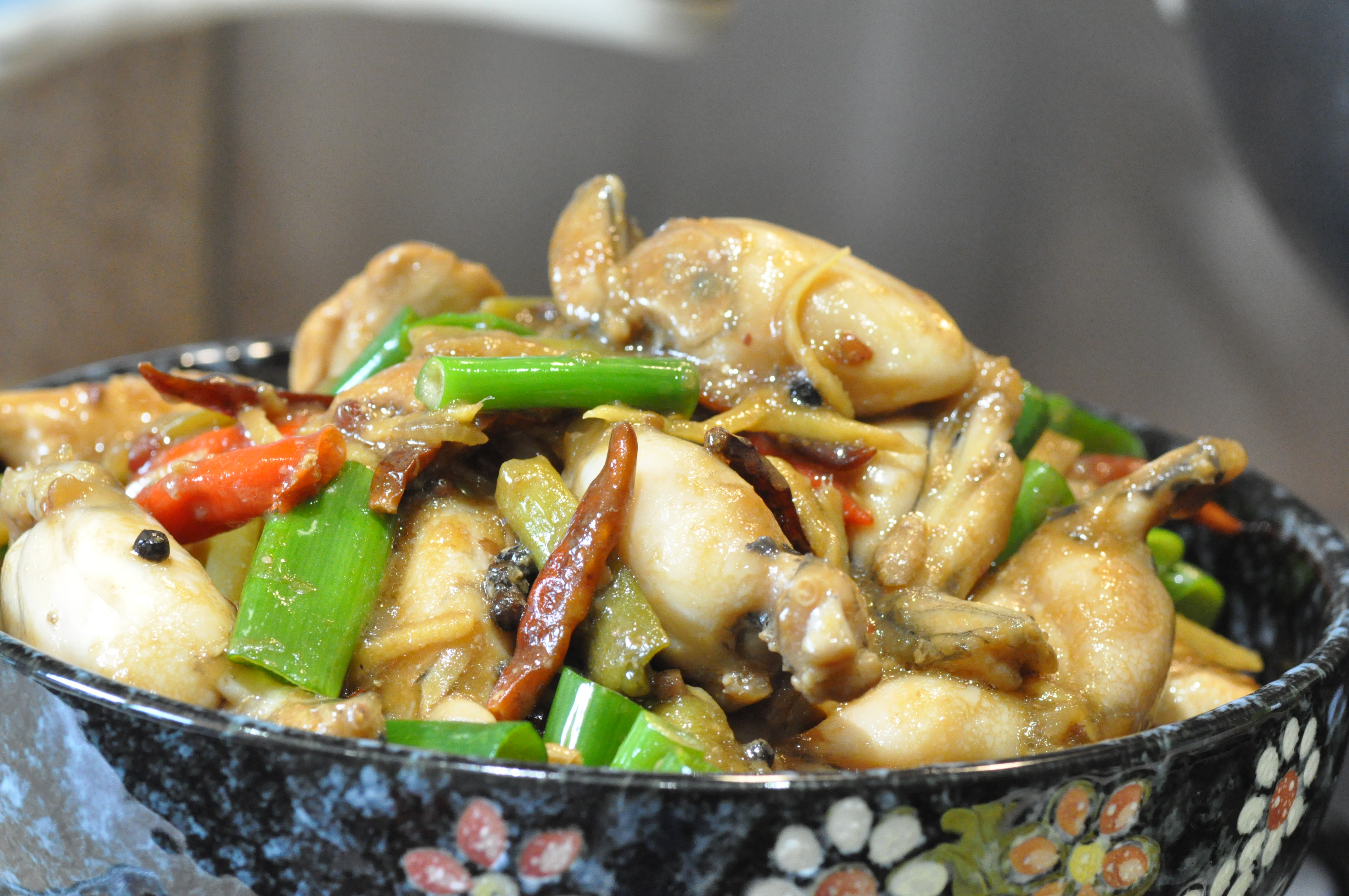 Claypot Kung Bao Boozy Frog Legs (砂煲宫保田鸡) – Special