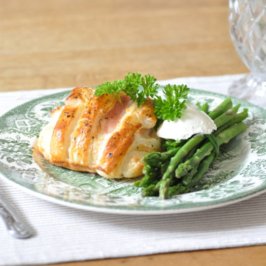Salmon-en-croute – simple