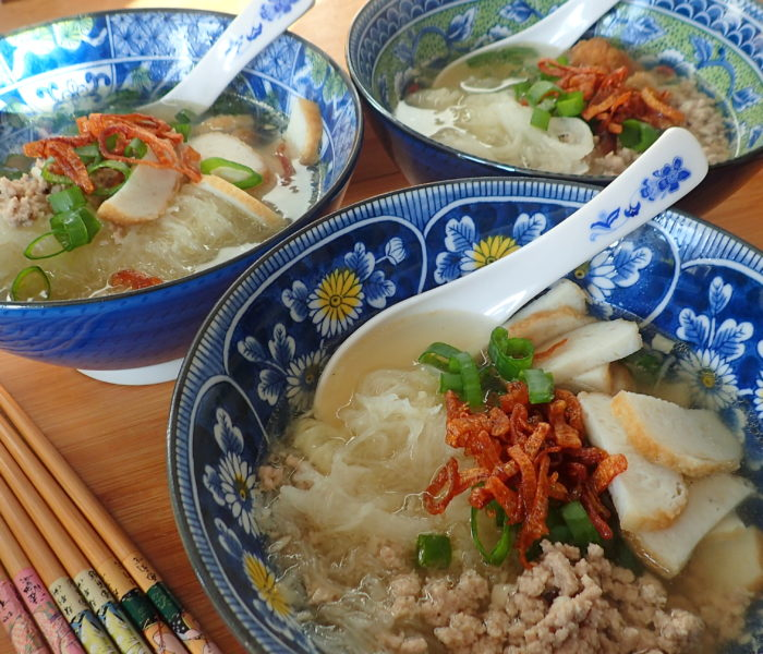 Mock glass noodles soup 冬粉汤 with shark fin melon