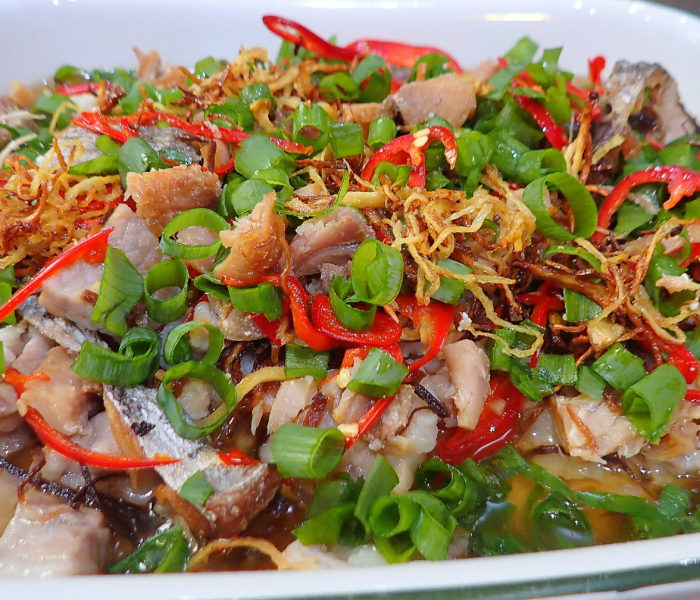 Kiam Hue steamed pui bak (Salt fish pork belly)